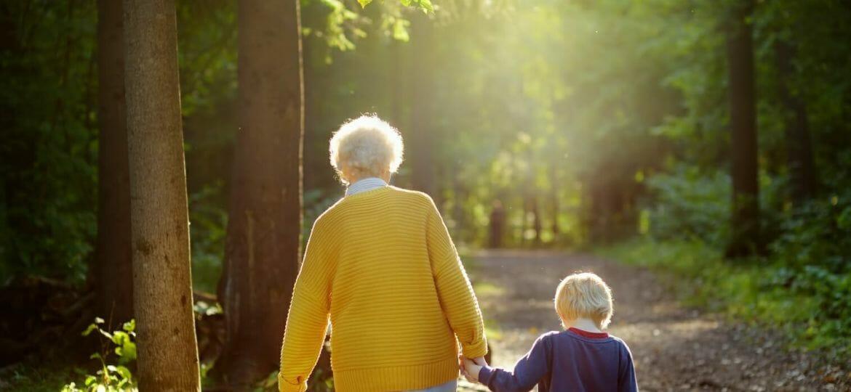 cerca persone anziani