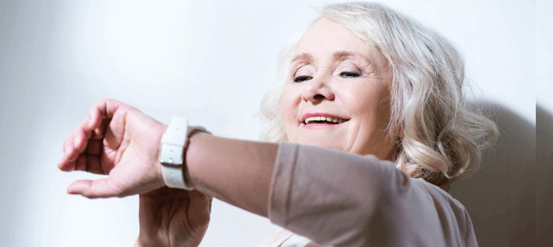 seremy-salvavita-anziani-smart-bracciale@2x